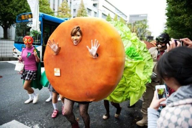 kawasaki-halloween-parade-2012-01-700x466
