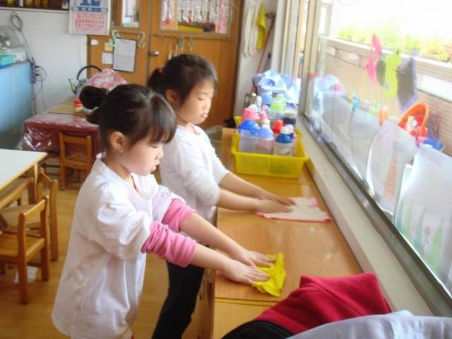 Porque-los-niños-de-Japón-limpian-los-baños-de-la-escuela-1-730x548